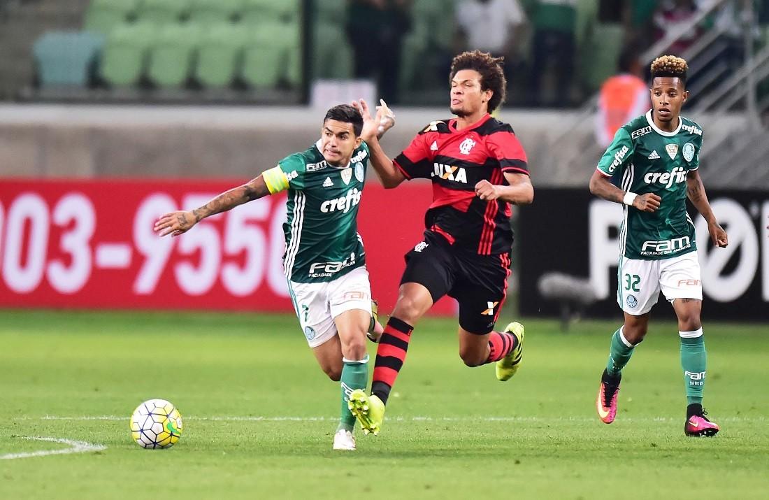 """Levanta a cabeça, Palmeiras. Flamengo nunca foi """"bicho-papão"""""""