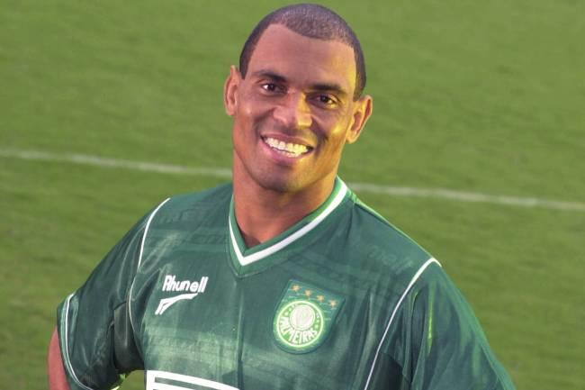 Donizete Pantera um dos vencedores que fracassaram ao vestir a camisa do Palmeiras.