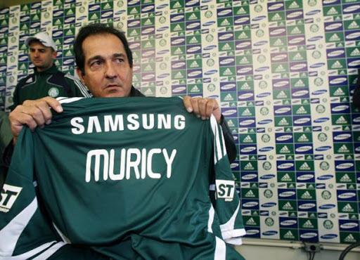 Muricy Ramalho, um dos vencedores que fracassaram ao vestir a camisa do Palmeiras em sua apresentação.