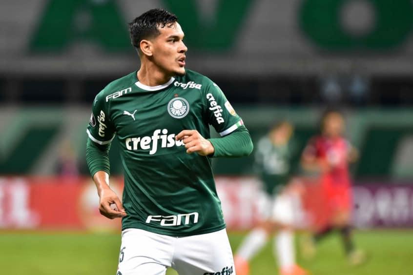 Gomez em um jogo pelo Palmeiras.